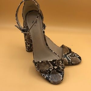 New Listing! H&M Faux snake sandals size 6